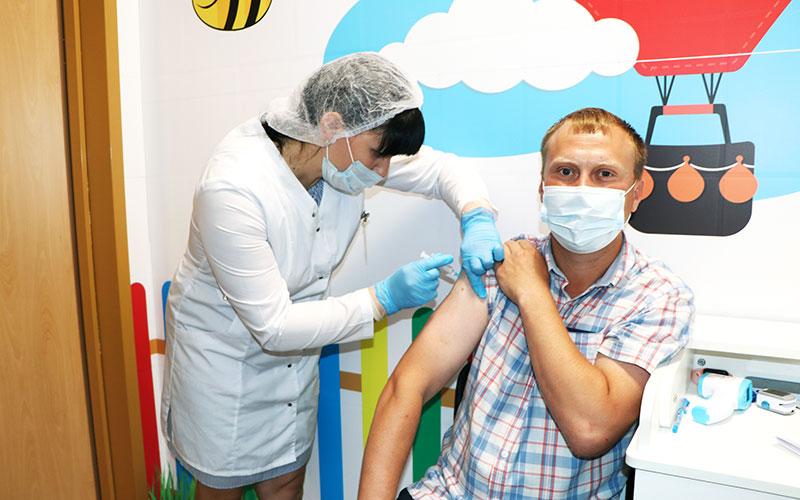 Пункт вакцинации в ТЦ «Бобровский»